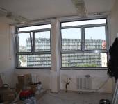 Félig kész ablak beépítése